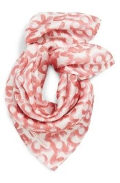 pink_scarf